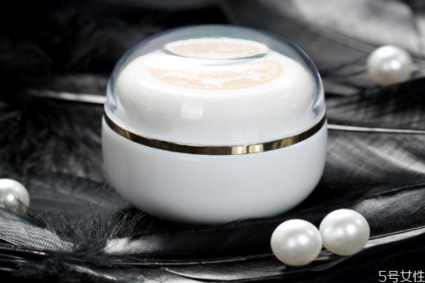珍珠膏保质期多久 油性皮肤能用珍珠膏吗