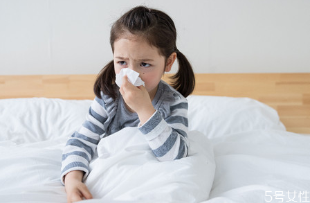 宝宝流清鼻涕如何缓解 宝宝流清鼻涕吃什么食物好
