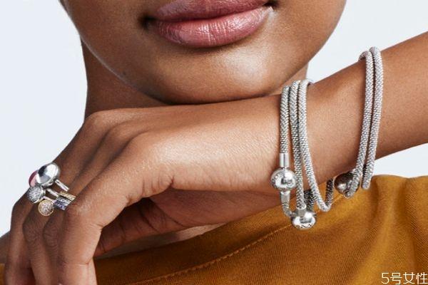 潘多拉手链是空心的吗 潘多拉手链是什么材质的