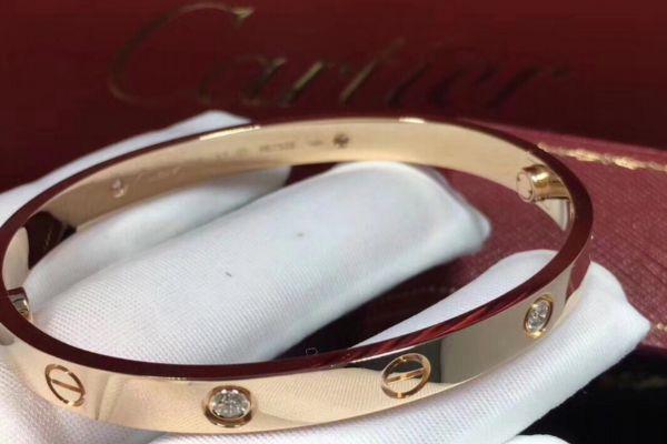 卡地亚手镯买黄金还是玫瑰金 卡地亚手镯最畅销颜色