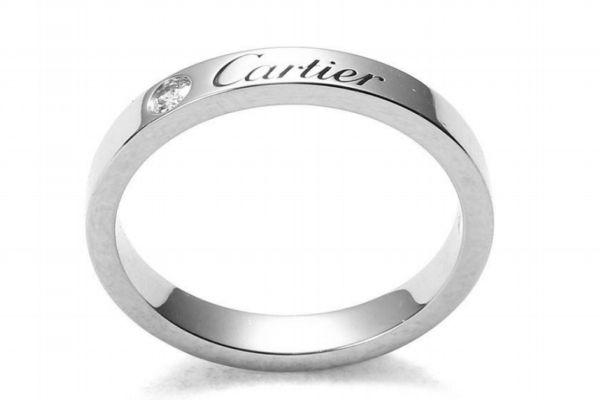 卡地亚戒指褪色怎么处理 买卡地亚戒指要注意什么