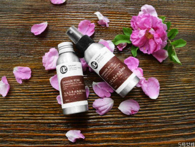 纯露对护肤真的有用吗 纯露的五种使用方法