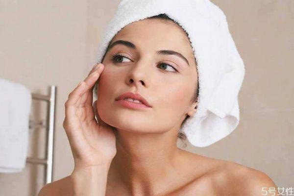 晚上护肤有什么要注意的 晚上护肤用什么护肤品