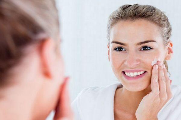 晚上护肤有什么好处 晚上护肤和白天护肤的区别
