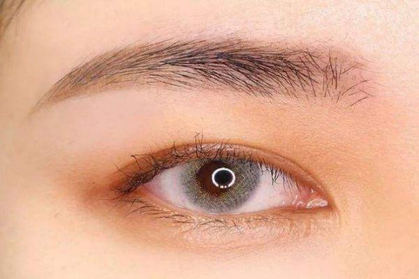怎样画出一个自然的眉毛 眉笔会过期吗