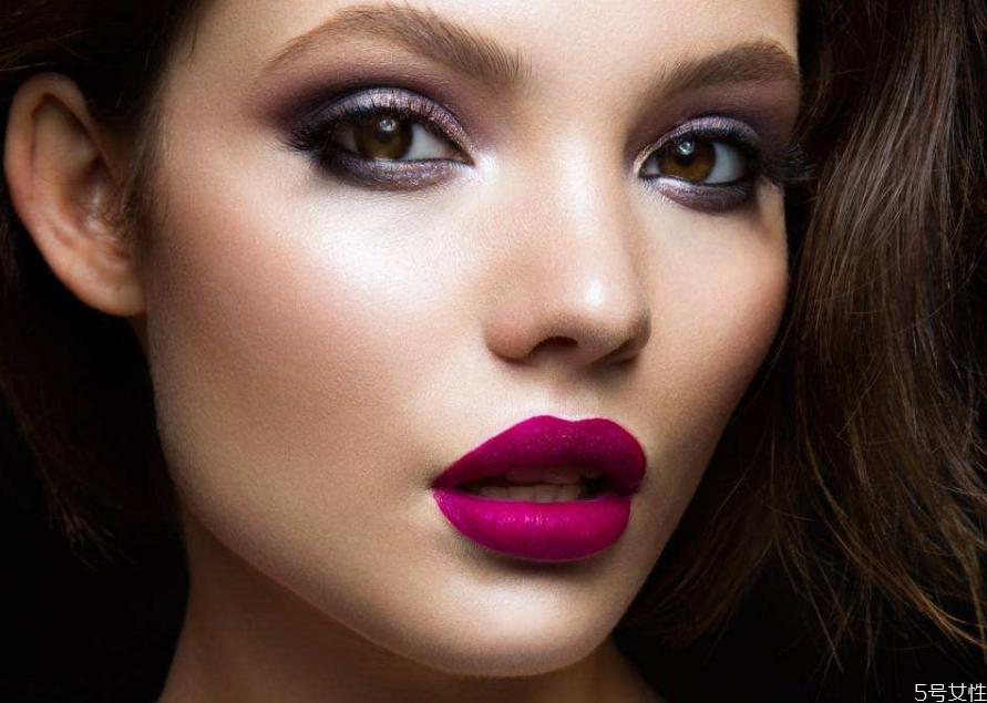 什么程度的妆叫浓妆 浓妆和淡妆的区别