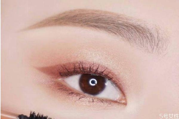 单眼皮怎么化眼妆 单眼皮日常眼妆画法