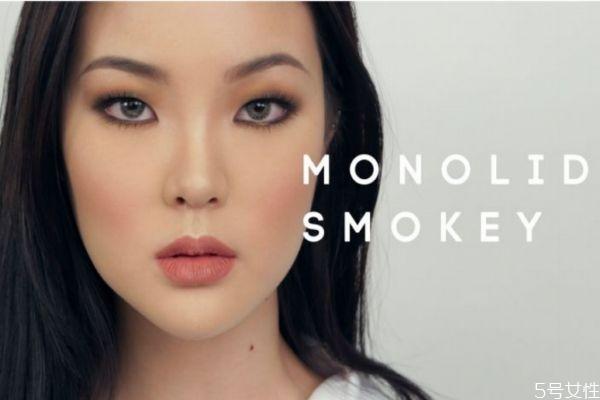 画烟熏妆需要什么化妆品 画烟熏妆的工具