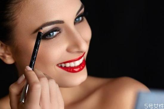 眉笔保质期一般是多久 眉笔过期了还能用吗