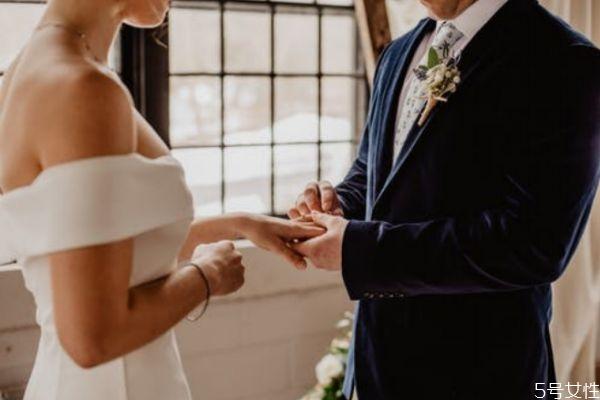 如何正确和老公相处 看聪明女人如何和丈夫相处