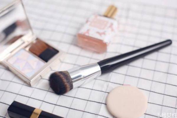 怎样鉴别化妆刷的好坏 怎样选购化妆刷