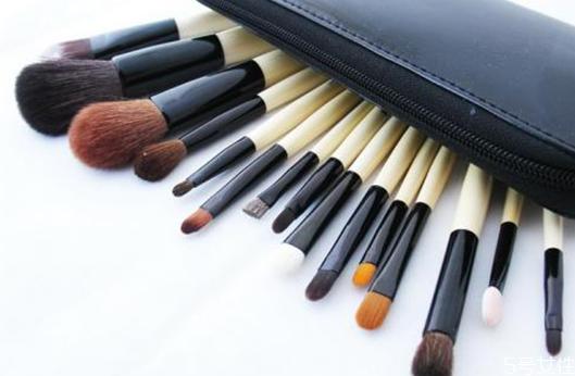 化妆刷分别是刷什么的 化妆刷的分类