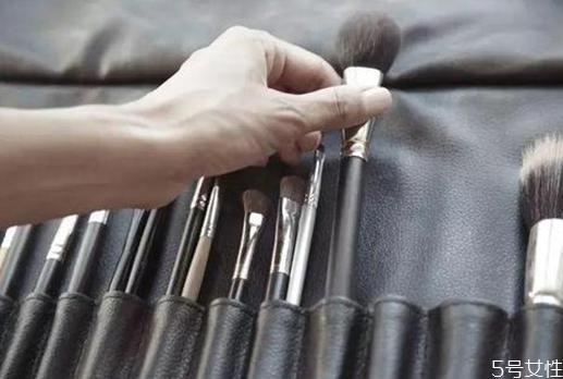 化妆刷有哪几种 新手需要常备6种化妆刷