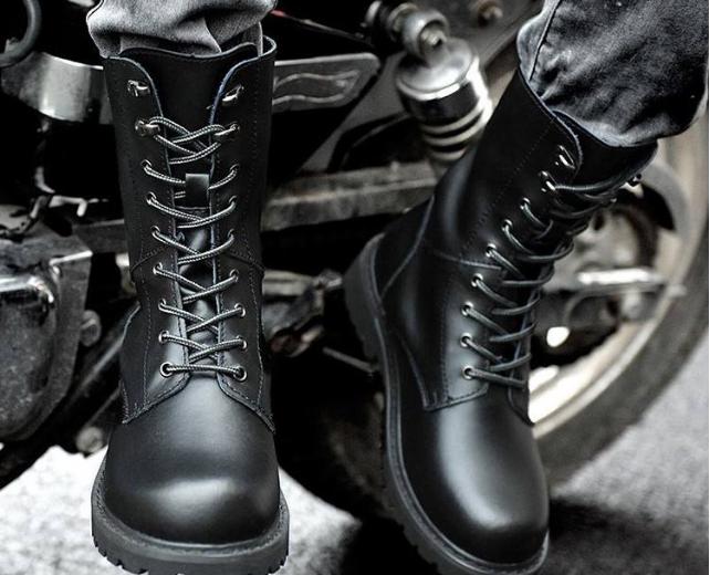 马丁靴为什么穿着显脚大 哪些鞋子穿着容易显脚大