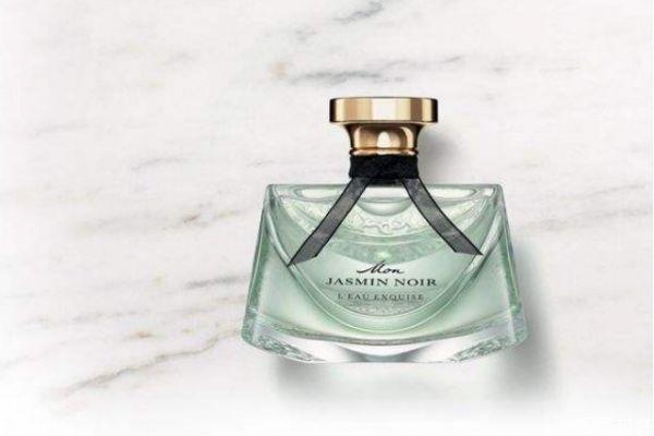 香水怎么喷不浓又好闻 喷香水一般喷几下合适
