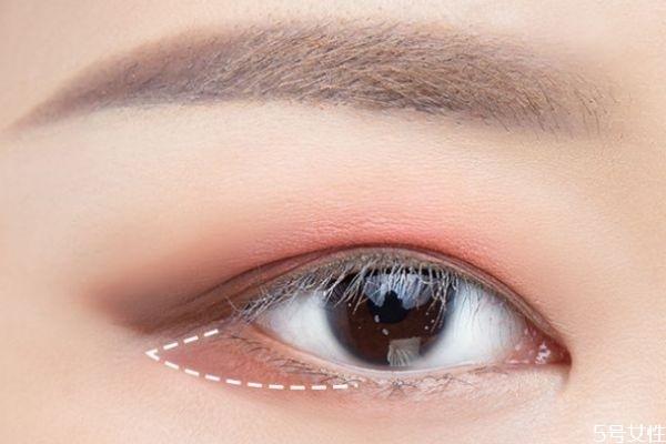 肿眼泡内双怎么画眼妆 肿眼泡化眼妆技巧