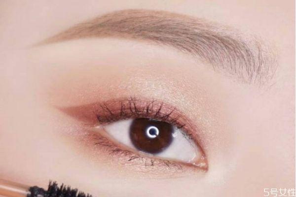 化眼妆需要哪些必备品 化眼妆的正确步骤