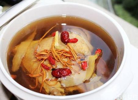 老鸭汤怎么去除腥味 老鸭汤怎么炖好喝又营养
