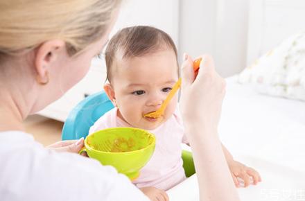 宝宝偏食挑食的原因 宝宝只吃菜不吃饭怎么办