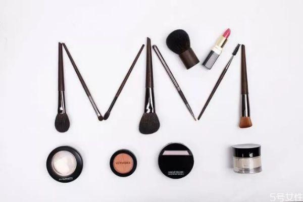 化妆刷能混着用吗 化妆刷是干用还是湿着用