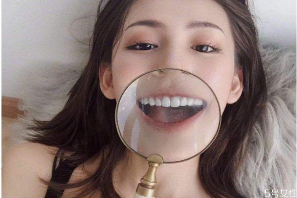 怎么刷牙让牙齿变白 牙齿变白的小妙招