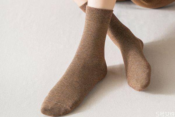 冬天袜子湿怎么办 冬天袜子几天换一次