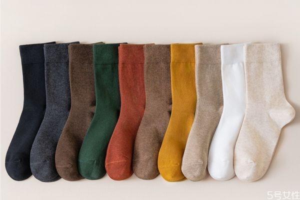 冬天穿什么袜子保暖 冬天袜子怎么外穿