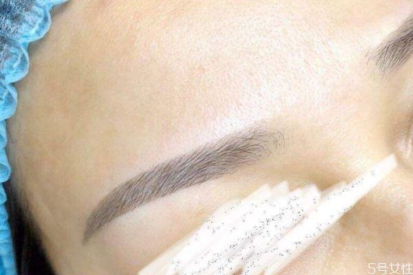 眉毛纹的颜色太深了怎么办 眉毛纹太浓了怎么变淡