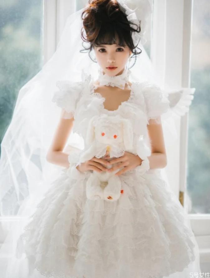 花嫁lolita可以当婚纱吗 花嫁和婚纱有区别吗