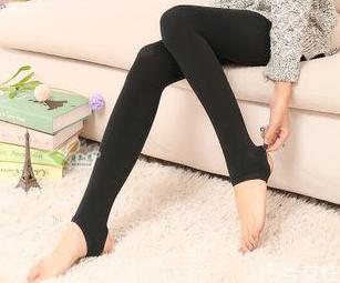 踩脚裤勒脚怎么办 穿打底袜如何防止脚趾疼