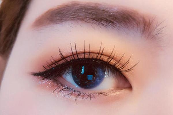 肿泡眼贴什么双眼皮贴好 肿泡眼适合什么样的双眼皮贴
