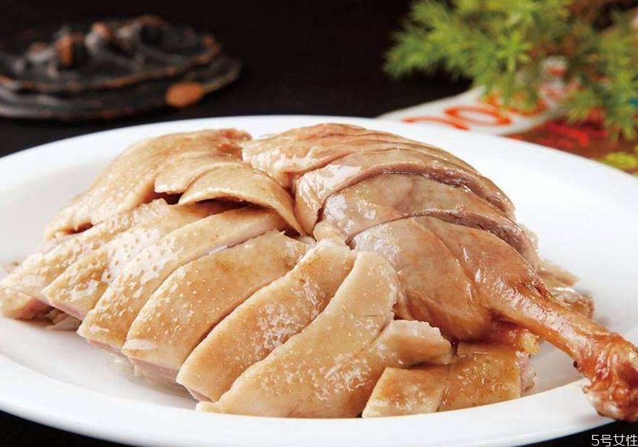 盐水鸭怎么吃 盐水鸭要不要加热吃