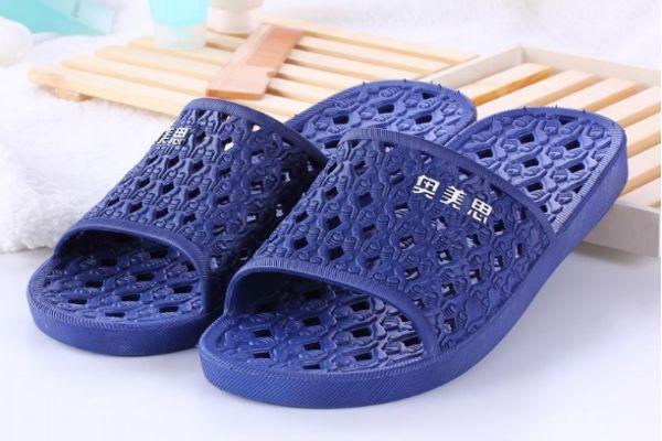 拖鞋磨脚是质量问题吗 拖鞋脚背会磨脚怎么办