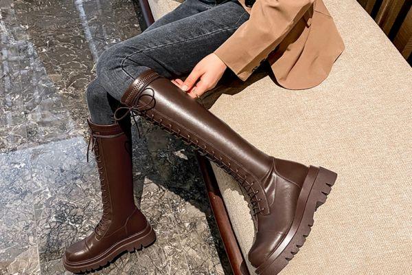 骑士靴适合什么人 骑士靴绑带好看还是光面好看