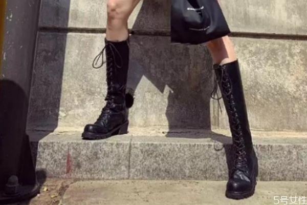 骑士靴绑带怎么绑 骑士靴的花纹