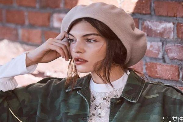 贝雷帽买大一点还是小 贝雷帽硬的还是软的好