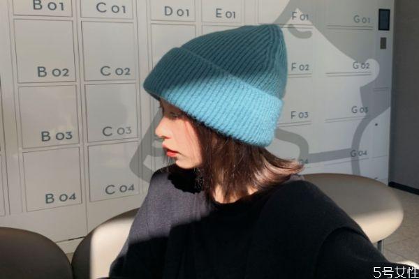 毛线帽戴着老掉怎么办 毛线帽不掉的方法