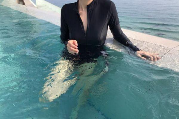 泳衣里面要不要穿内衣裤 泳衣里面要穿胸贴吗