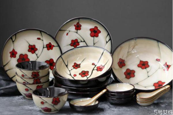 过年为什么要买新碗筷 春节添碗要几个