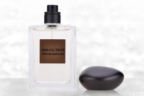 阿玛尼岩兰草香水适合男士吗 阿玛尼岩兰草什么味道