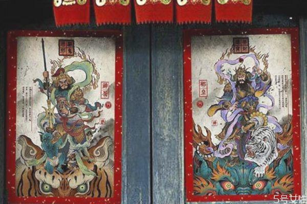 换下来的旧门神怎么处理 一扇门怎么贴门神