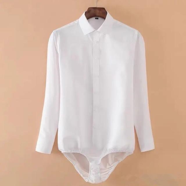 衬衫怎么扎进裤子里不容易跑出来
