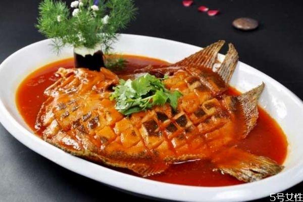 年夜饭的鱼必须是整条吗 年夜饭的鱼品种及其寓意