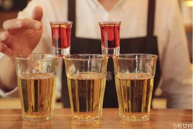 深水炸弹鸡尾酒度数 深水炸弹鸡尾酒容易醉吗