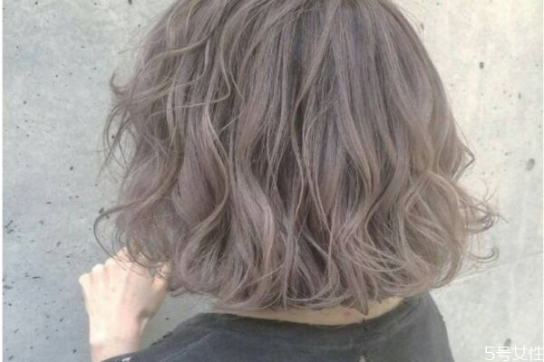 漂染头发需要多长时间 给头发褪色要多久