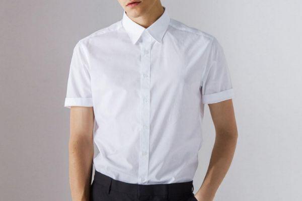 衬衫里面穿背心老土吗 衬衫里要穿背心吗