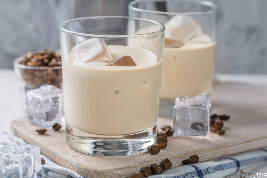 咖啡利口酒怎么调 咖啡利口酒可以调什么鸡尾酒
