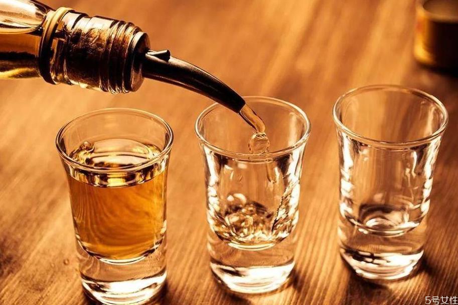 朗姆酒是什么酒 朗姆酒怎么喝
