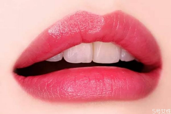 唇部不上色怎么办 做了半永久唇部该注意什么