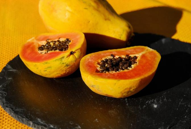 吃木瓜真的可以让胸部变大吗 吃木瓜真的可以丰胸吗